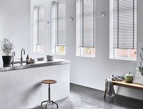 Raamdecoratie of binnen zonwering nodig raamdecoratie bij roobol